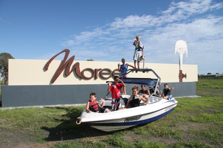 Boat_moreesign